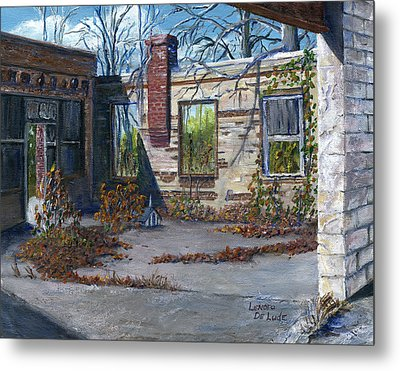 Old Building In Stonewall Louisiana  Metal Print by Lenora  De Lude