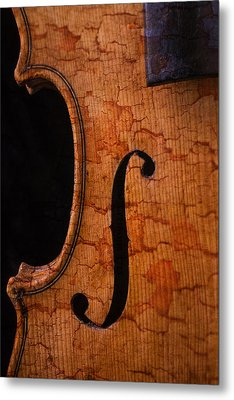 Old Violin Close Up Metal Print by Garry Gay