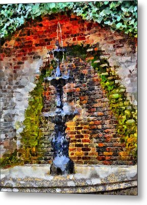 Old Water Fountain Metal Print by Dan Sproul