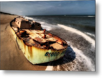 On The Beach II - Outer Banks Metal Print by Dan Carmichael