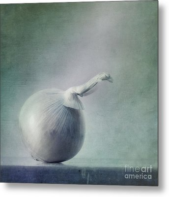 Onion Metal Print by Priska Wettstein