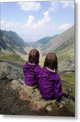 Our Daughters Admiring The View Metal Print by Giuseppe Epifani