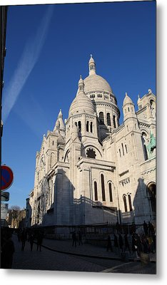Outside The Basilica Of The Sacred Heart Of Paris - Sacre Coeur - Paris France - 01133 Metal Print by DC Photographer