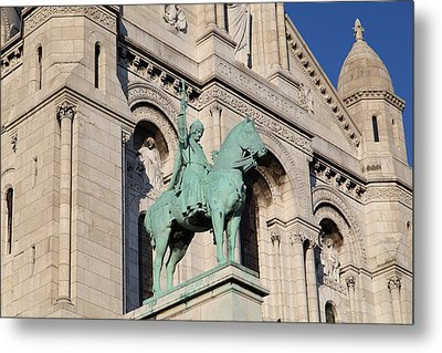 Outside The Basilica Of The Sacred Heart Of Paris - Sacre Coeur - Paris France - 01137 Metal Print by DC Photographer