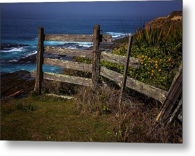 Pacific Coast Fence Metal Print by Garry Gay
