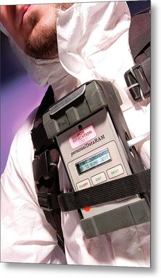 Personal Aerosol Monitor And Alarm Metal Print by Crown Copyright/health & Safety Laboratory Science Photo Library