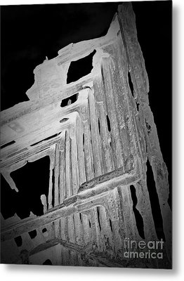 Peter Iredale Reverse Bw 6 Metal Print by Chalet Roome-Rigdon
