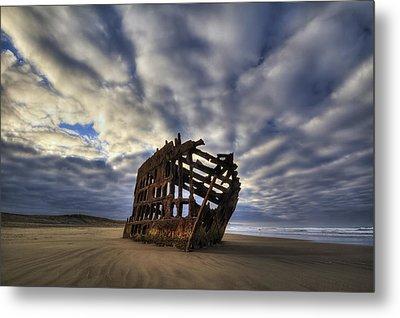 Peter Iredale Shipwreck Sunrise Metal Print by Mark Kiver