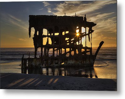 Peter Iredale Shipwreck Sunset Metal Print by Mark Kiver