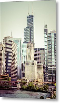 Picture Of Vintage Chicago With Sears Willis Tower Metal Print by Paul Velgos