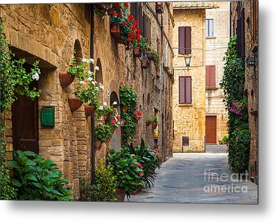 Pienza Street Metal Print by Inge Johnsson