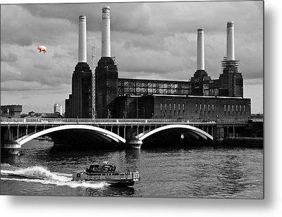 Pink Floyd's Pig At Battersea Metal Print by Dawn OConnor