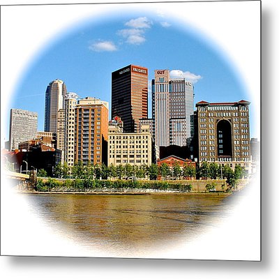 Pittsburgh Pa In The Spotlight Metal Print by Frozen in Time Fine Art Photography
