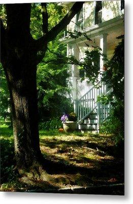 Porch With Pot Of Chrysanthemums Metal Print by Susan Savad