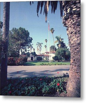 President Nixons Home In San Clemente Metal Print by Everett