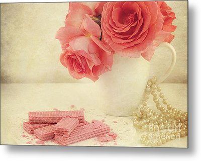 Pretty In Pink Metal Print by Juli Scalzi