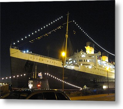 Queen Mary - 12126 Metal Print by DC Photographer