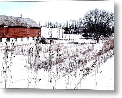 Red Barn In Winter Metal Print by Gemblue Photography