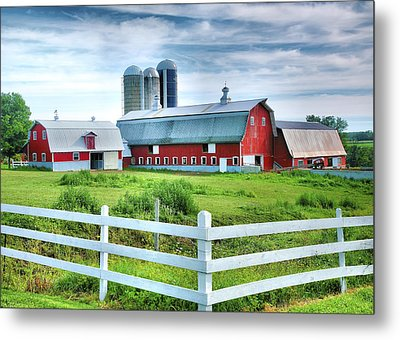 Red Barns And White Fence Metal Print by Steven Ainsworth