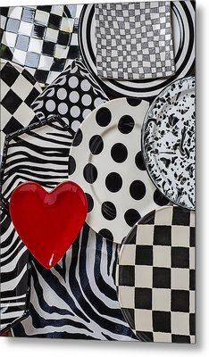 Red Heart Plate On Black And White Plates Metal Print by Garry Gay