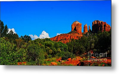 Red Rock Crossing Metal Print by Tracey McQuain