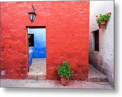 Red White And Blue Colonial Architecture Metal Print by Jess Kraft
