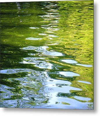 Reflections On Madrid Metal Print by Roberto Alamino