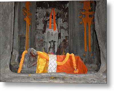 Resting Buddha Metal Print by Bill Mock