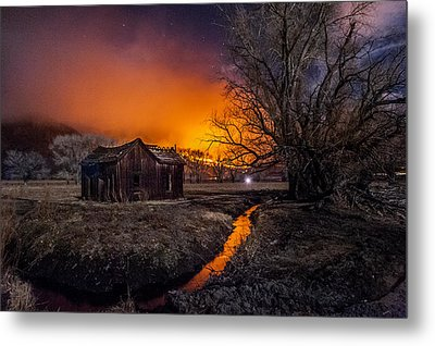Round Fire Metal Print by Cat Connor