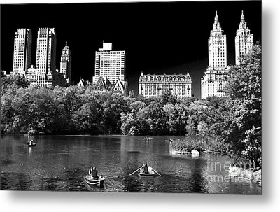 Rowing In Central Park Metal Print by John Rizzuto