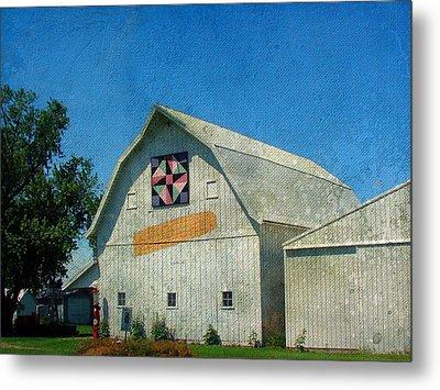 Rural Iowa Barn Metal Print by Cassie Peters