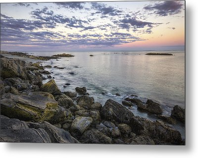 Rye Cliffs Metal Print by Eric Gendron