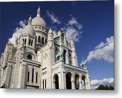 Sacre Coeur Paris Metal Print by Gary Eason