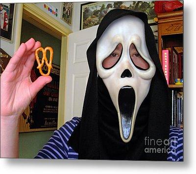 Scream And The Scream Pretzel Metal Print by Jim Fitzpatrick
