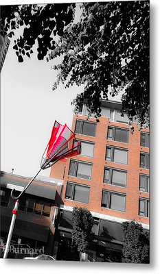 Seattle Red Umbrella  Metal Print by Guinapora Graphics
