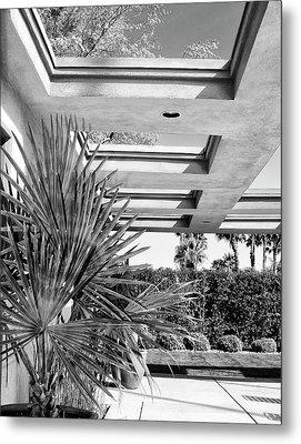 Sinatra Patio Bw Palm Springs Metal Print by William Dey