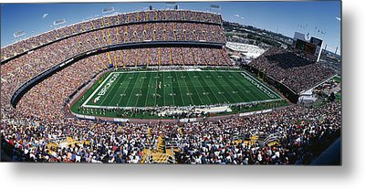 Sold Out Crowd At Mile High Stadium Metal Print by Panoramic Images