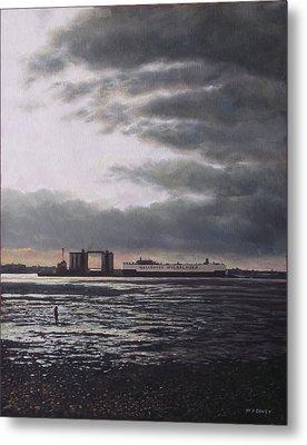 Southampton Docks From Weston Shore Winter Sunset Metal Print by Martin Davey