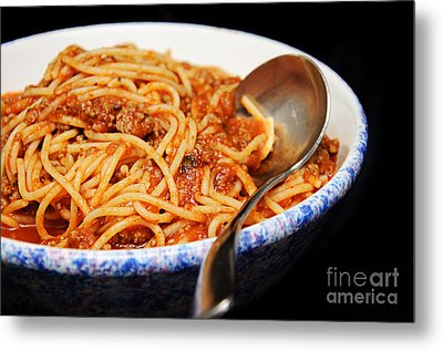 Spaghetti And Meat Sauce With Spoon Metal Print by Andee Design