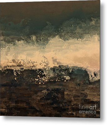 Distant Splash Metal Print by Lonnie Christopher