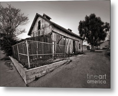 Spooky Chino Barn - 01 Metal Print by Gregory Dyer