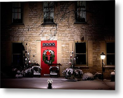 Spotlight On Christmas Metal Print by Paul Wash