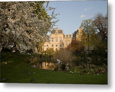 Square Du Temple Metal Print by Art Ferrier