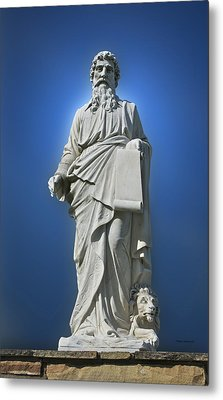 Statue 23 Metal Print by Thomas Woolworth