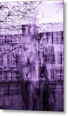 Statue Of A Woman Metal Print by Toppart Sweden