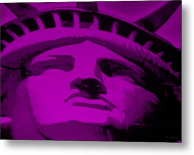 Statue Of Liberty In Purple Metal Print by Rob Hans
