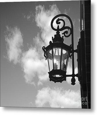 Street Lamp Metal Print by Tony Cordoza