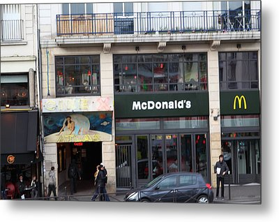 Street Scenes - Paris France - 011351 Metal Print by DC Photographer