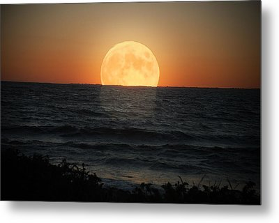 Sunrise Moon Metal Print by Tammy Collins