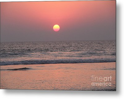 Sunset At San Juan De Alima Metal Print by Linda Queally